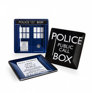 Doctor Who Plates 12 Gift Ideas Any Whovian Would Love - Includes 12 categories with over 30 Doctor Who gift ideas! - #doctorwho #giftideas #whovian #doctorwhogift #giftguide