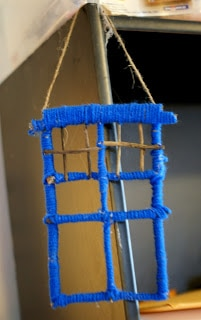 Tardis Ornament, Doctor Who This stick ornament craft is the perfect rustic Christmas gift for anyone! Even better, they are incredibly easy to make with the kids or on your own. This easy rustic ornament is a must!
