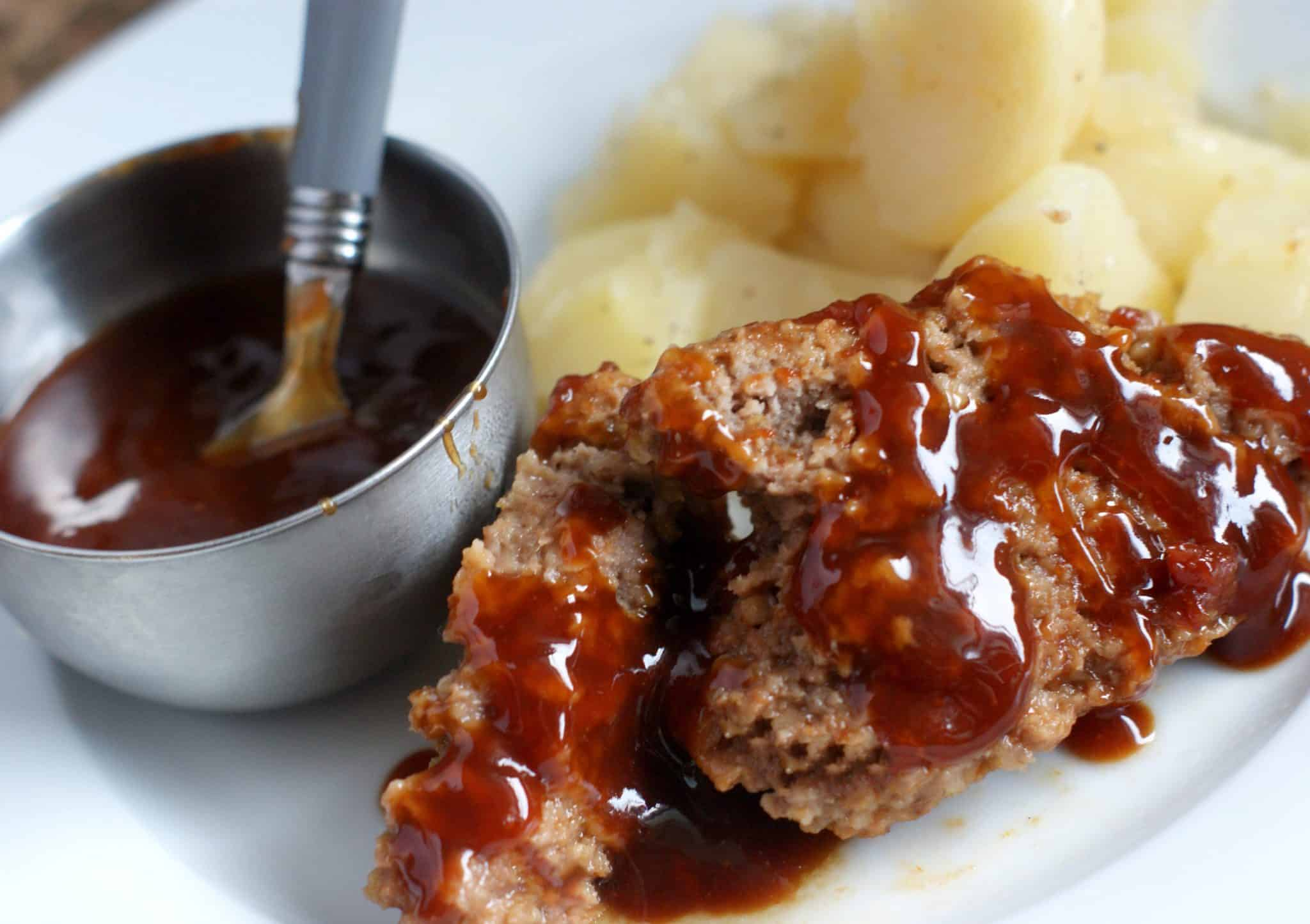 Meatloaf potatoes and sauce - Easy Instant Pot Meatloaf & Potatoes recipe - #recipe #dinner #mealplanning #instantpot
