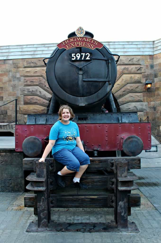 Are you thinking about taking a Harry Potter fan to Universal Orlando for the first time? Don't miss these Universal tips for Harry Potter fans. #ReadyforUniversal #UniversalStudios #Orlando #FloridaTravel #FamilyTravel #HarryPotter