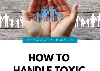 How to handle toxic family- Handing parenting when family members are toxic can be overwhelming. Don't do it alone with these tips.