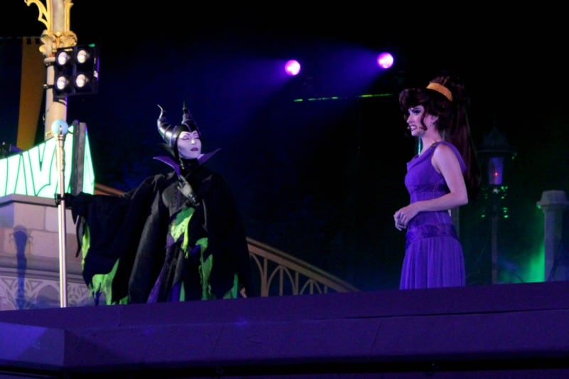 Disney Villains After Hours Tips - Is it worth the money? What characters can you meet? What can you experience at the Disney villains after hours event? Find out this and more in this post from Meagan Gets real. #Disney #VillainsAfterHours #DisneyVillains #VisitFlorida #Orlando